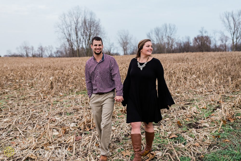 carol-hollis-taylor-fulk-columbia-city-marion-churubusco-indiana-engagement-farm-fall-woods-session-photographer-taylor-ford-hirschy-photographer_1714.jpg