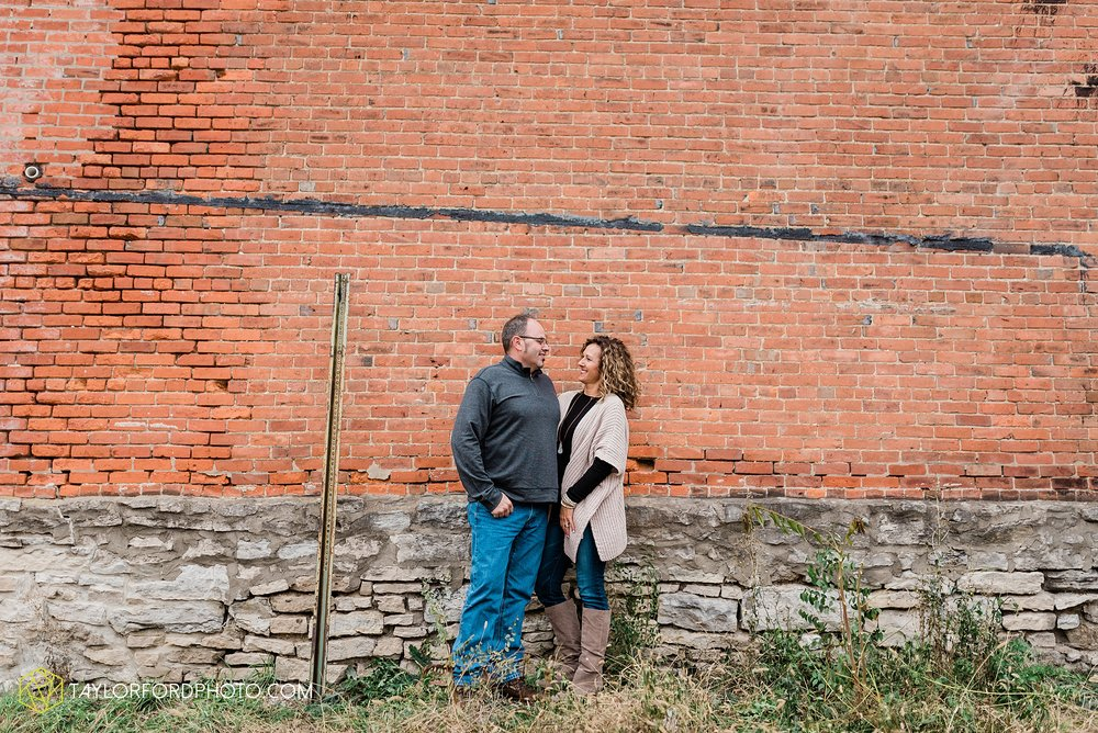 downtown-van-wert-ohio-fall-family-photographer-taylor-ford-hirschy-photographer_1650.jpg