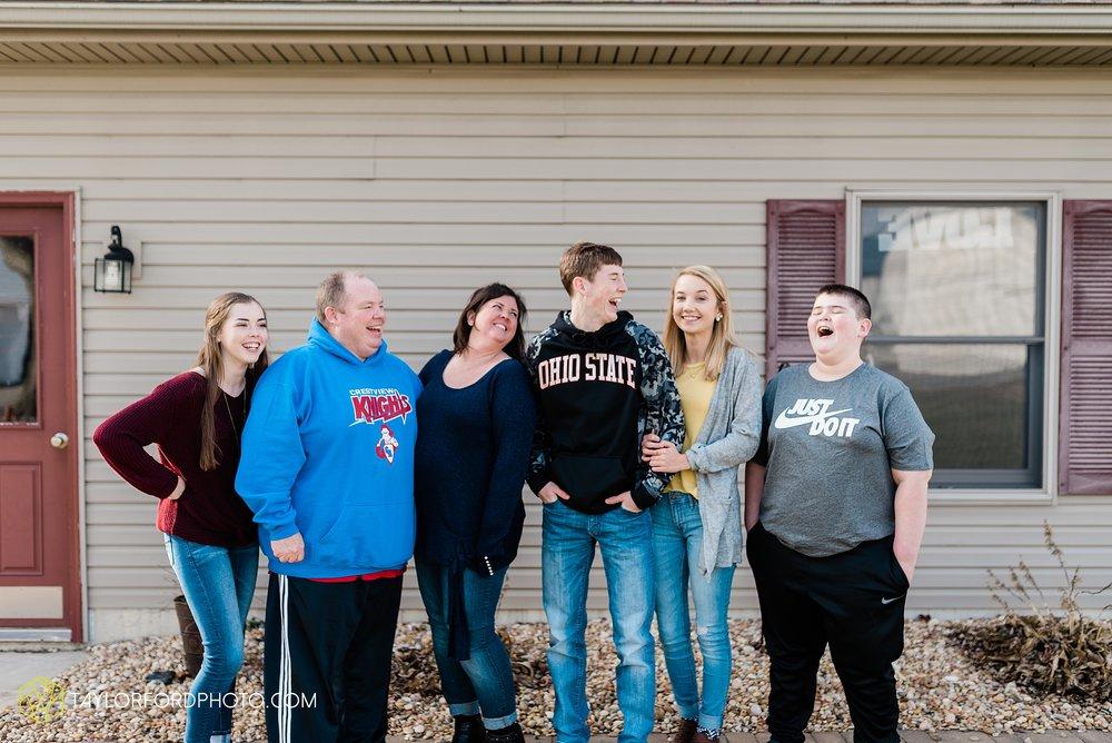 fortney-matthews-extended-family-van-wert-ohio-at-home-family-farm-photography-taylor-ford-hirschy-photographer_2023.jpg