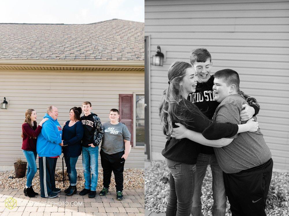 fortney-matthews-extended-family-van-wert-ohio-at-home-family-farm-photography-taylor-ford-hirschy-photographer_2022.jpg