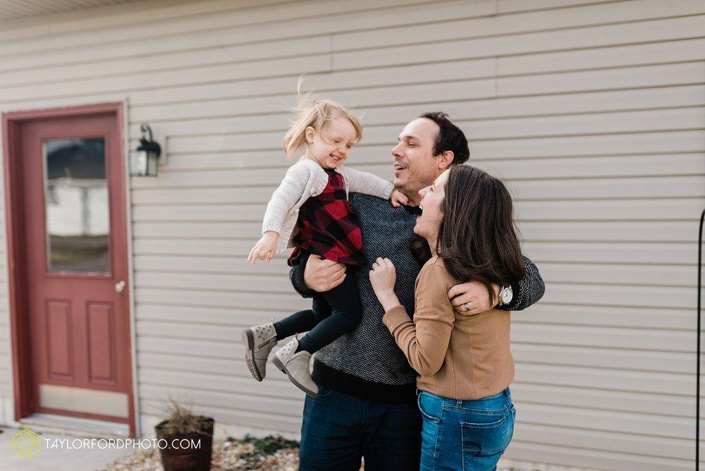 fortney-matthews-extended-family-van-wert-ohio-at-home-family-farm-photography-taylor-ford-hirschy-photographer_2030.jpg