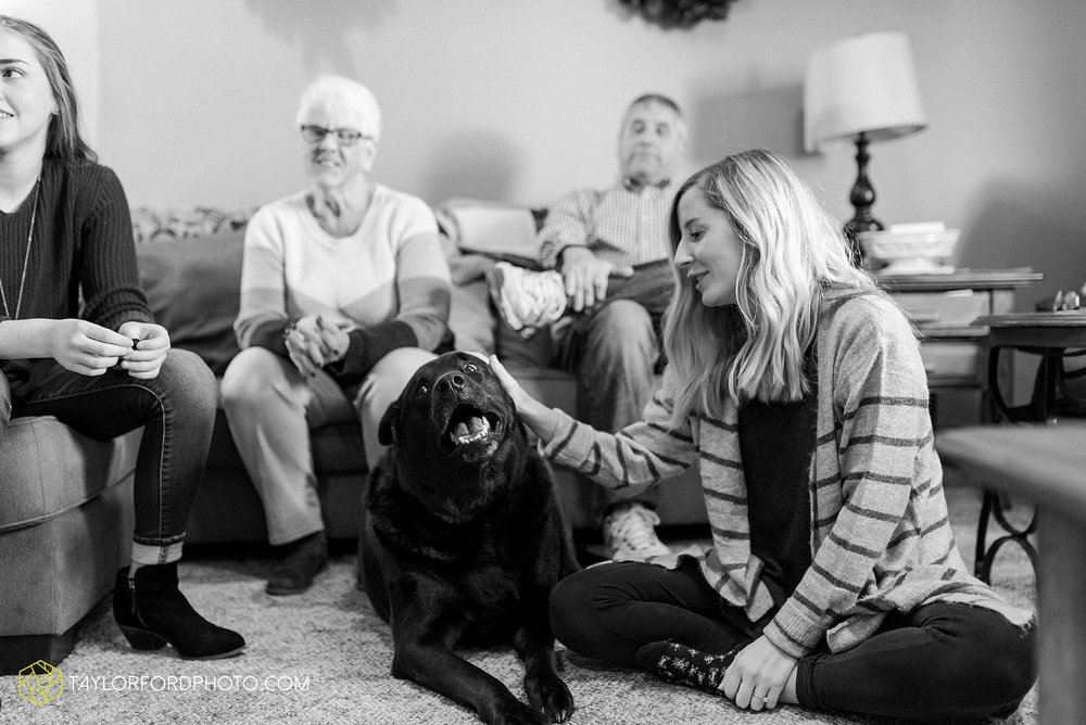 fortney-matthews-extended-family-van-wert-ohio-at-home-family-farm-photography-taylor-ford-hirschy-photographer_2047.jpg