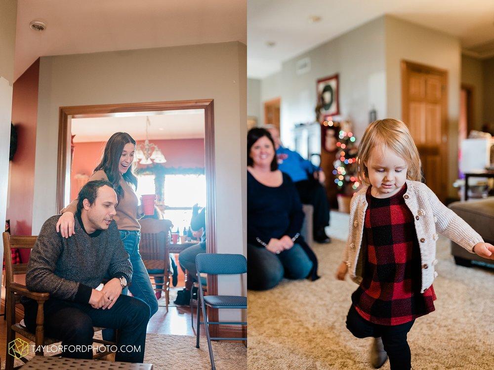 fortney-matthews-extended-family-van-wert-ohio-at-home-family-farm-photography-taylor-ford-hirschy-photographer_2049.jpg