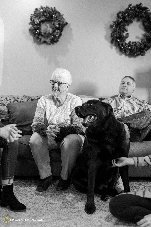 fortney-matthews-extended-family-van-wert-ohio-at-home-family-farm-photography-taylor-ford-hirschy-photographer_2050.jpg