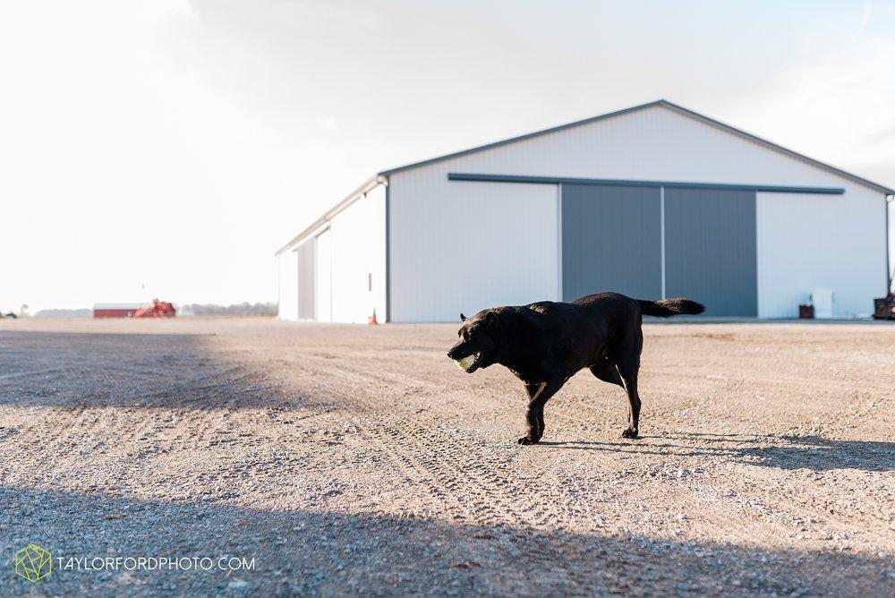 fortney-matthews-extended-family-van-wert-ohio-at-home-family-farm-photography-taylor-ford-hirschy-photographer_2056.jpg