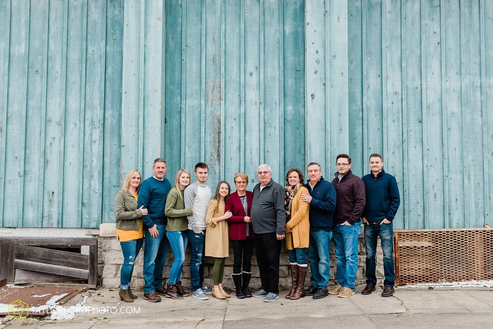 thompson-extended-family-van-wert-ohio-downtown-family-photography-taylor-ford-hirschy-photographer_2084.jpg