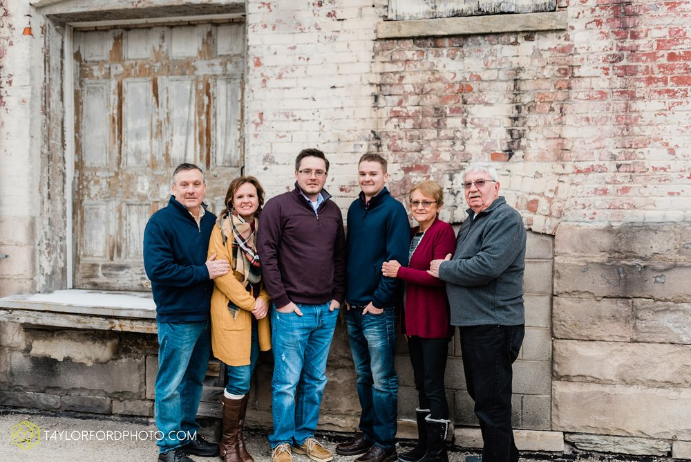 thompson-extended-family-van-wert-ohio-downtown-family-photography-taylor-ford-hirschy-photographer_2090.jpg