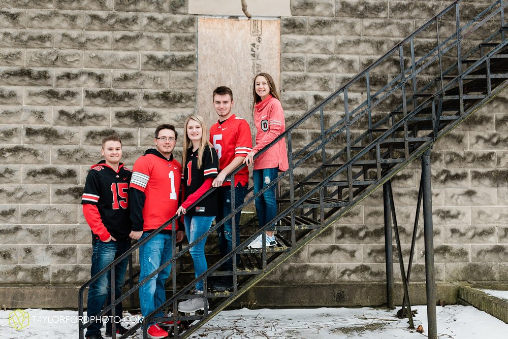 thompson-extended-family-van-wert-ohio-downtown-family-photography-taylor-ford-hirschy-photographer_2096.jpg