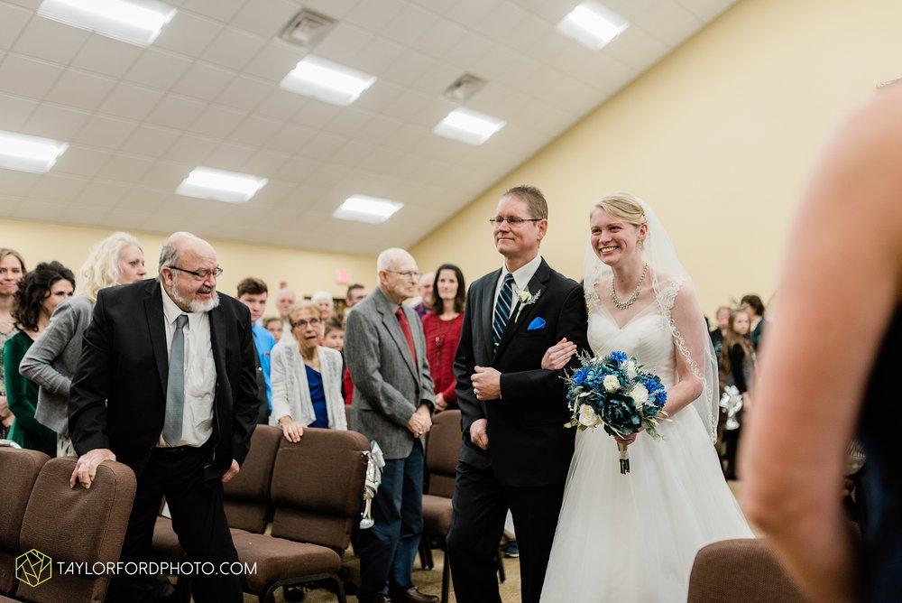 pleasant-view-church-christmas-celina-fraternal-order-of-eagles-reception-wedding-wren-willshire-van-wert-ohio-photography-taylor-ford-hirschy-photographer_2150.jpg