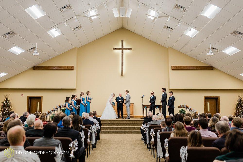 pleasant-view-church-christmas-celina-fraternal-order-of-eagles-reception-wedding-wren-willshire-van-wert-ohio-photography-taylor-ford-hirschy-photographer_2151.jpg