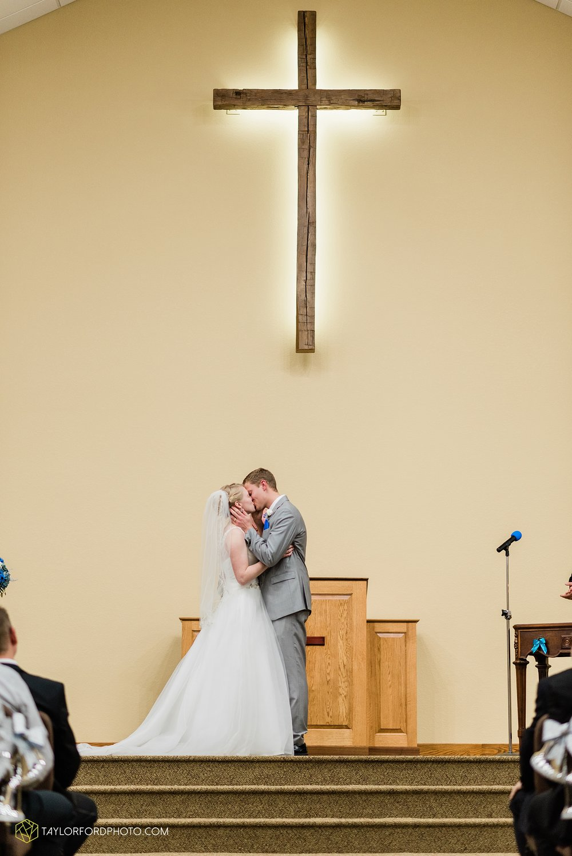 pleasant-view-church-christmas-celina-fraternal-order-of-eagles-reception-wedding-wren-willshire-van-wert-ohio-photography-taylor-ford-hirschy-photographer_2156.jpg