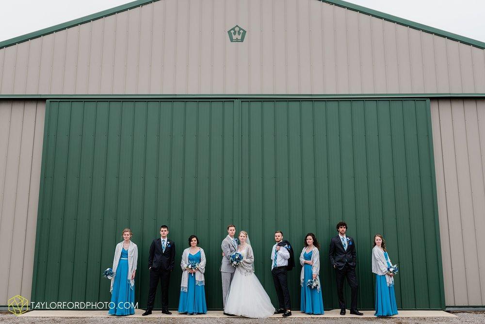 pleasant-view-church-christmas-celina-fraternal-order-of-eagles-reception-wedding-wren-willshire-van-wert-ohio-photography-taylor-ford-hirschy-photographer_2165.jpg