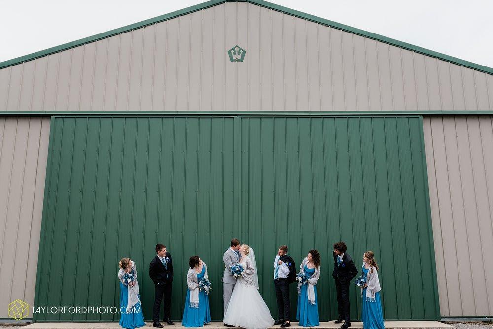 pleasant-view-church-christmas-celina-fraternal-order-of-eagles-reception-wedding-wren-willshire-van-wert-ohio-photography-taylor-ford-hirschy-photographer_2166.jpg