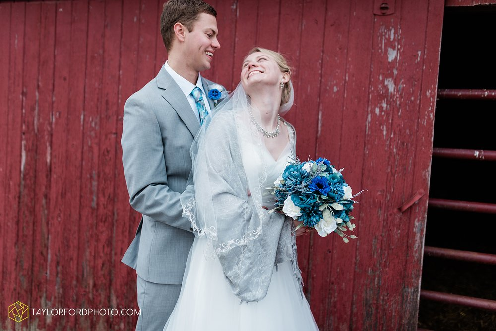 pleasant-view-church-christmas-celina-fraternal-order-of-eagles-reception-wedding-wren-willshire-van-wert-ohio-photography-taylor-ford-hirschy-photographer_2183.jpg