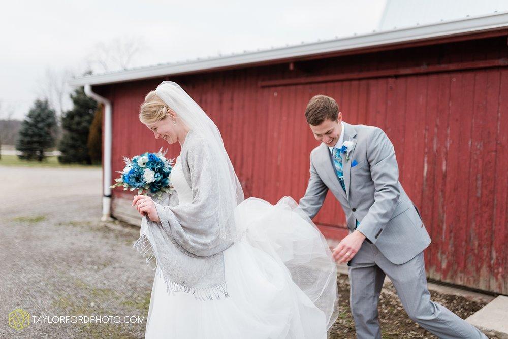 pleasant-view-church-christmas-celina-fraternal-order-of-eagles-reception-wedding-wren-willshire-van-wert-ohio-photography-taylor-ford-hirschy-photographer_2186.jpg