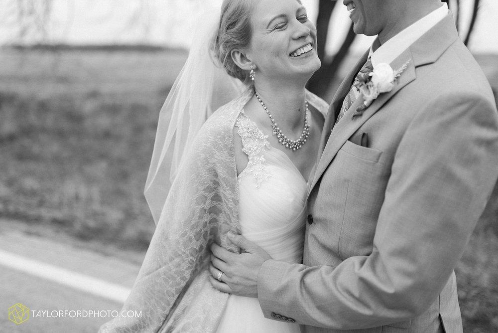pleasant-view-church-christmas-celina-fraternal-order-of-eagles-reception-wedding-wren-willshire-van-wert-ohio-photography-taylor-ford-hirschy-photographer_2193.jpg