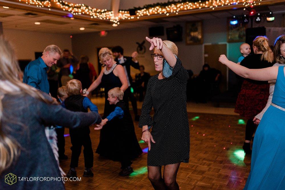 pleasant-view-church-christmas-celina-fraternal-order-of-eagles-reception-wedding-wren-willshire-van-wert-ohio-photography-taylor-ford-hirschy-photographer_2207.jpg