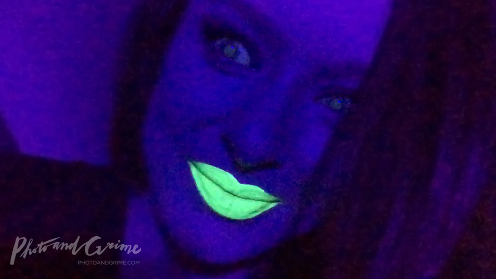 Kryolan UV green glow lipstick.jpg
