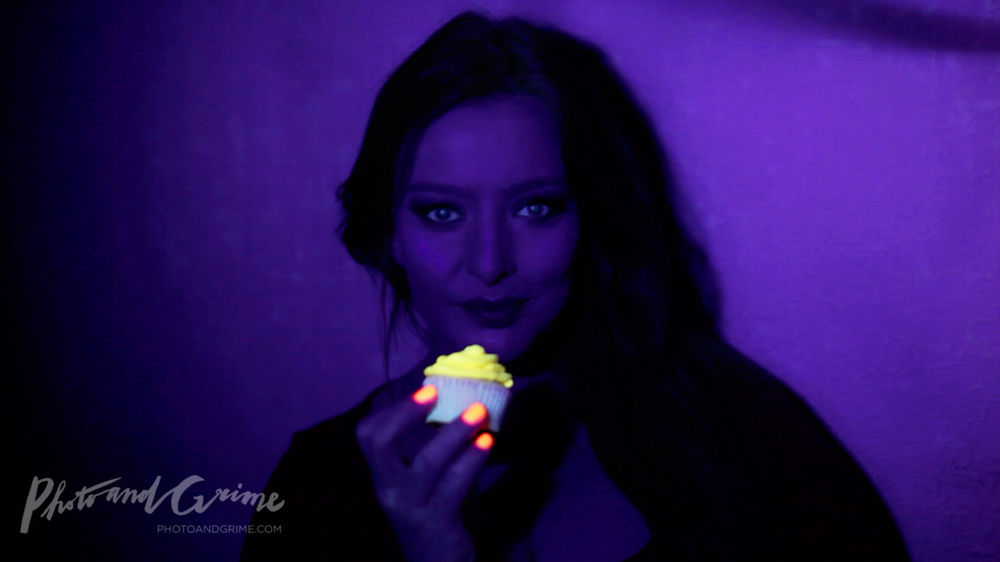Don't forget to take a selfie with your glow cupcake and send it to me :)!