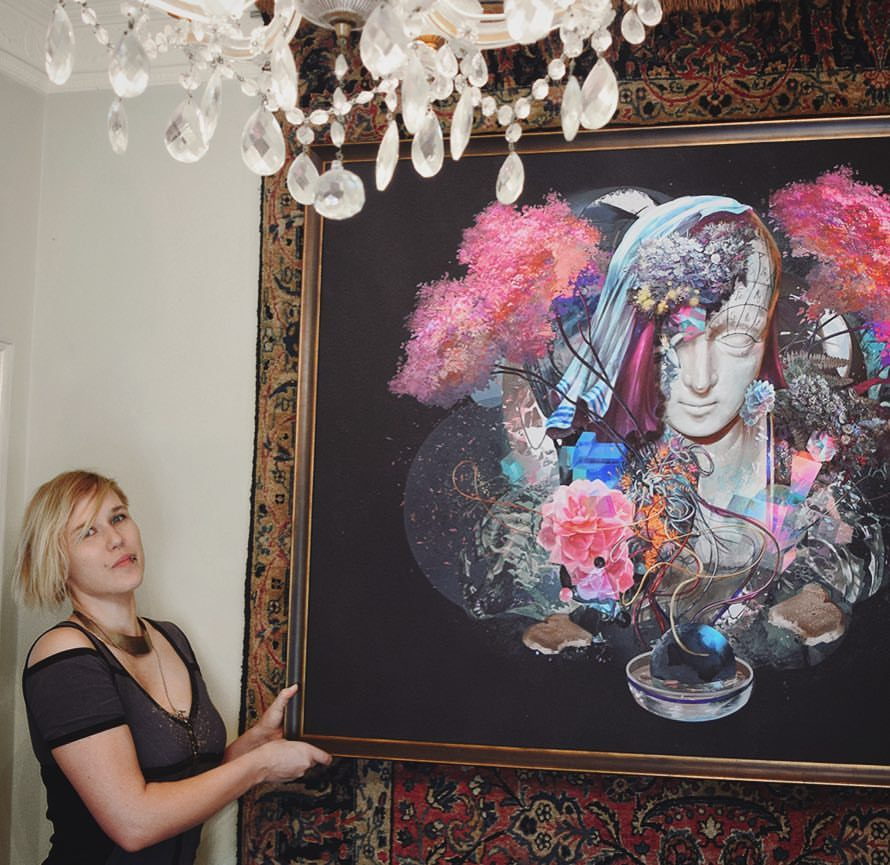 Riana Møller is an artist as well. Here you can see Riana in front of one of her own paintings. Photo: Facebook