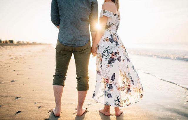 This sunrise session ☀️😍 . . . . . . #loveandwildhearts #weddingphotographer #wedphotoinspiration #photobugcommunity #hamptonroads#charleston #charlestonsc #married#engaged #wildhairandhappyhearts #hamptonroadsphotographer #couplesphotography #757photographer #757collective #757weddingphotographer #lookslikefilm#babetowncollective #loveauthentic#wedding #virginiaisforlovers #dirtybootsandmessyhair #junebugweddings  #epicloveepiclife#firstandlasts #annakratovillephotography