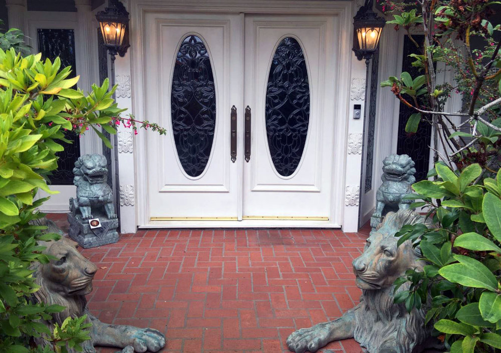3Pellham_frontdoors.jpg