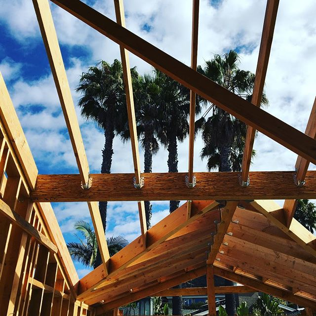 🏠🔨🌴 #california #construction #palmtree #building #design #interiordesign #newconstruction