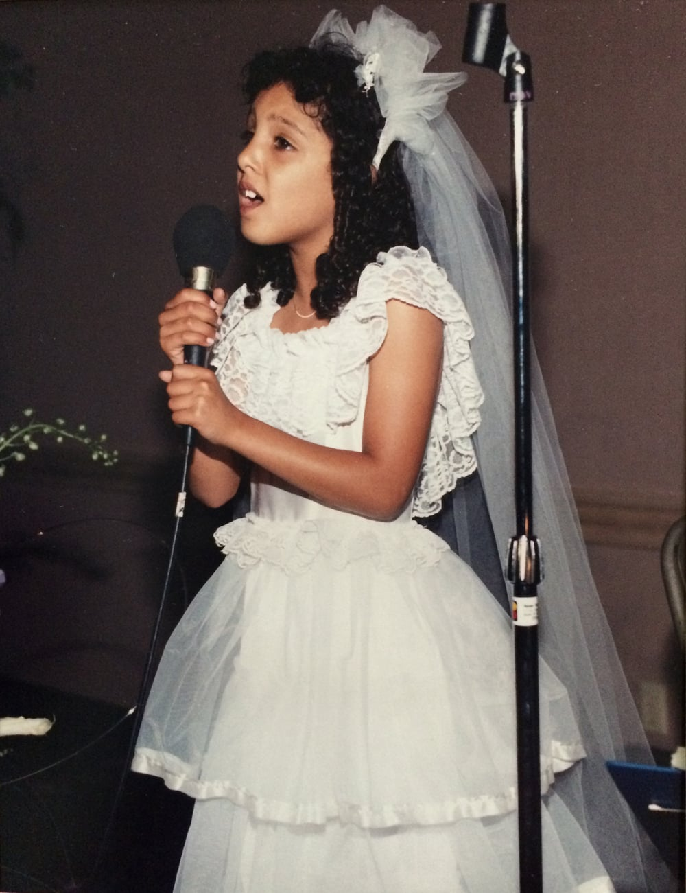 flower girl singing