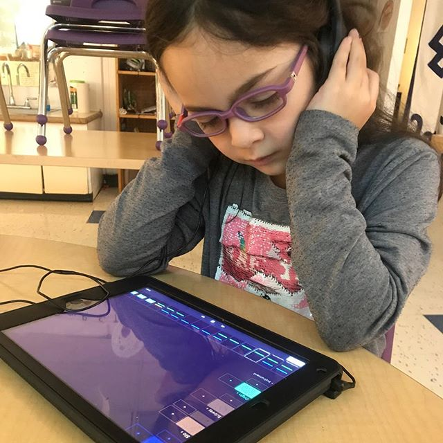 Our young producers in #bedstuy have been making some amazing compositions this semester, head to the SAFA! #soundcloud to hear the fruits of their labor! #sonicartsforall . . . . . . #nyc #brooklyn #music #musictechnology #musictech #children #education #kids  #newyorkcity #sonicarts #soundart #sound #tech #classroom #musiclessons #learning #musiceducation  #electronicmusic #synths #midi #musiced #newyork #specialed #specialeducation