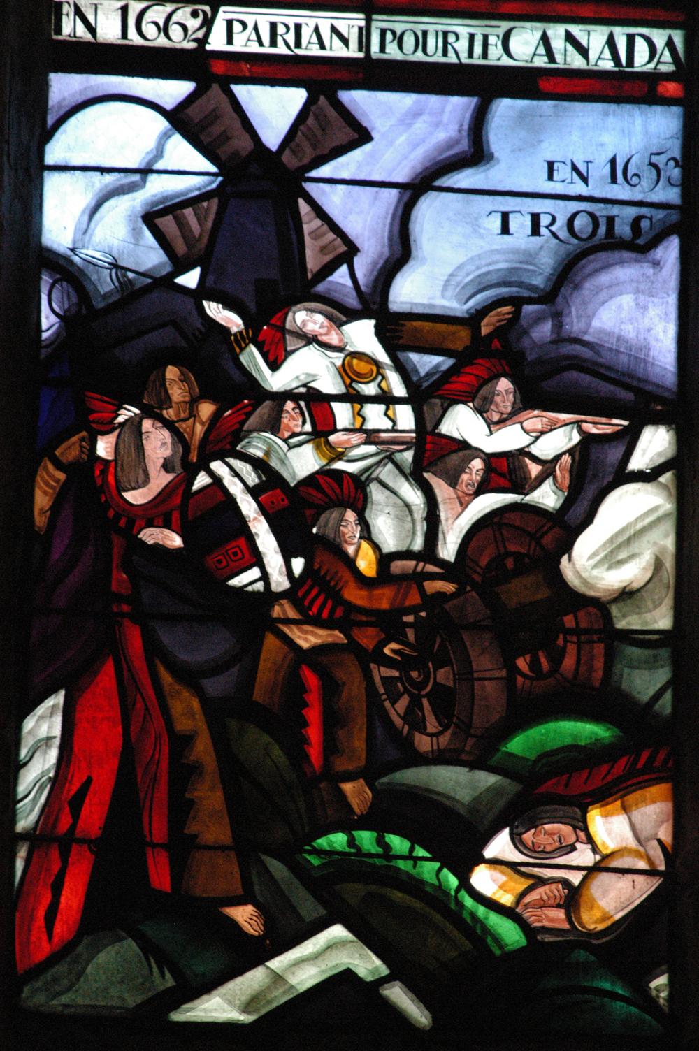 L'église Notre-Damn-de-Mortagne, détail d'un vitrail