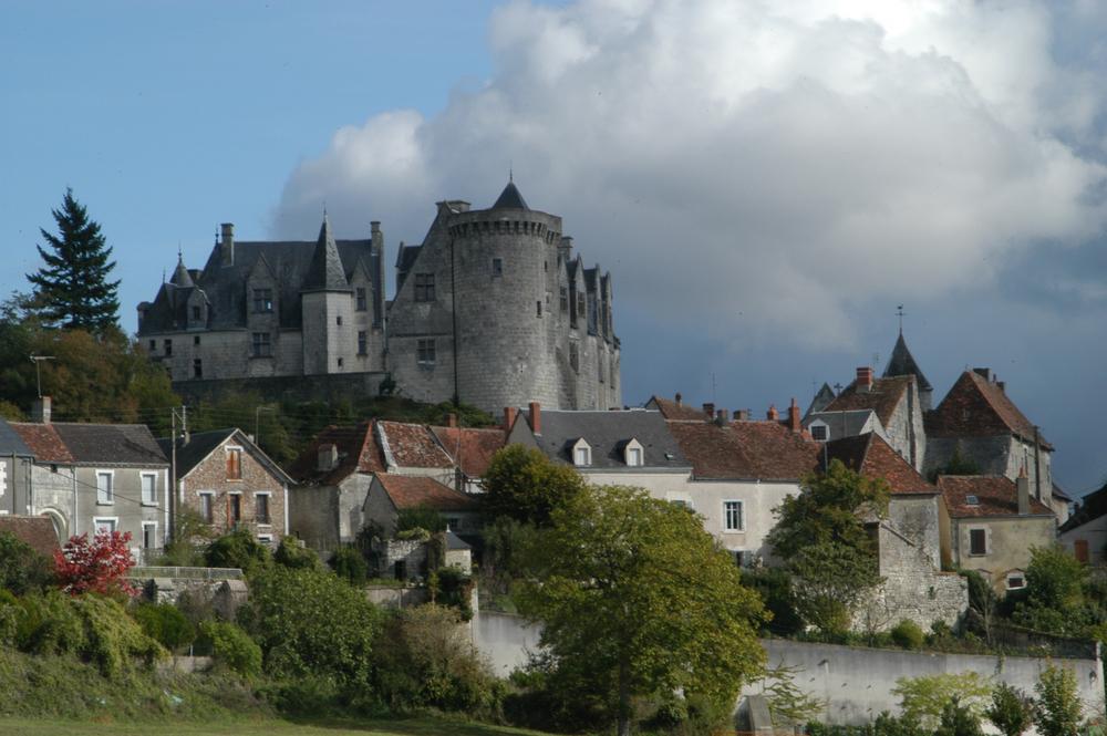 La tour  FÉODAL de  château Frontenac à PALLUAU