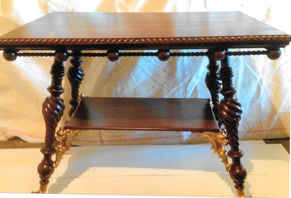 Table-Claw-2 1.jpeg