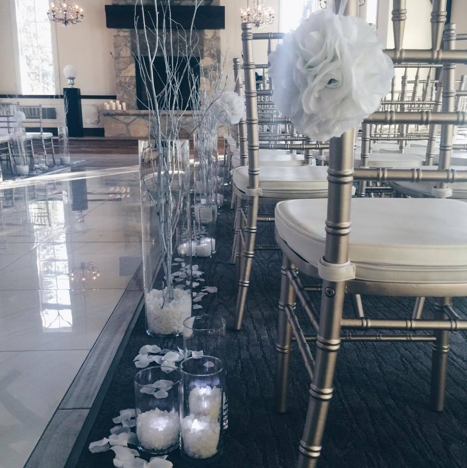 Aisle Decor | Evelyn's Decorating
