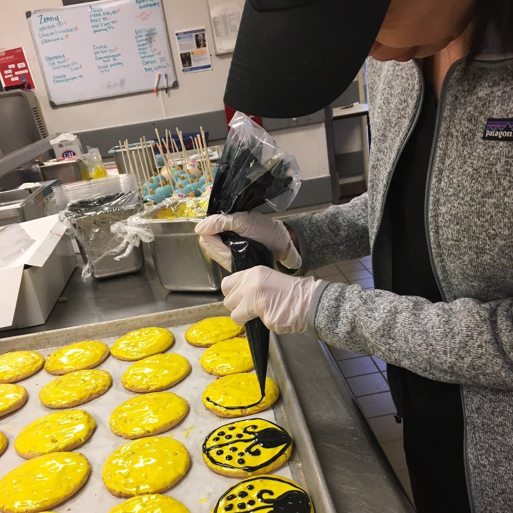 Pixarfest : Decorating cookies for Pixarfest