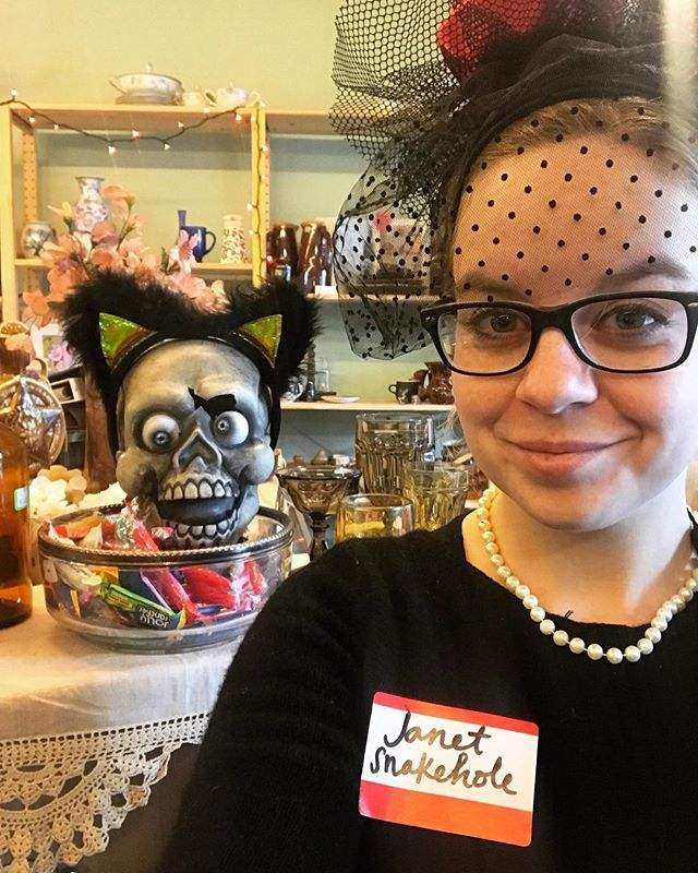 Happy Halloween from Tacoma Thrift! We have free candy and you can have two pieces if you know what my costume is from! Also orange tags are 30% off today. Spooky! #halloween #janetsnakehole #burtmacklin #bertmacklin #snakehole #thrift #thriftstore #thriftshop #tacoma #shopsmall shoplocal #happyhalloween @plazadeaubrey