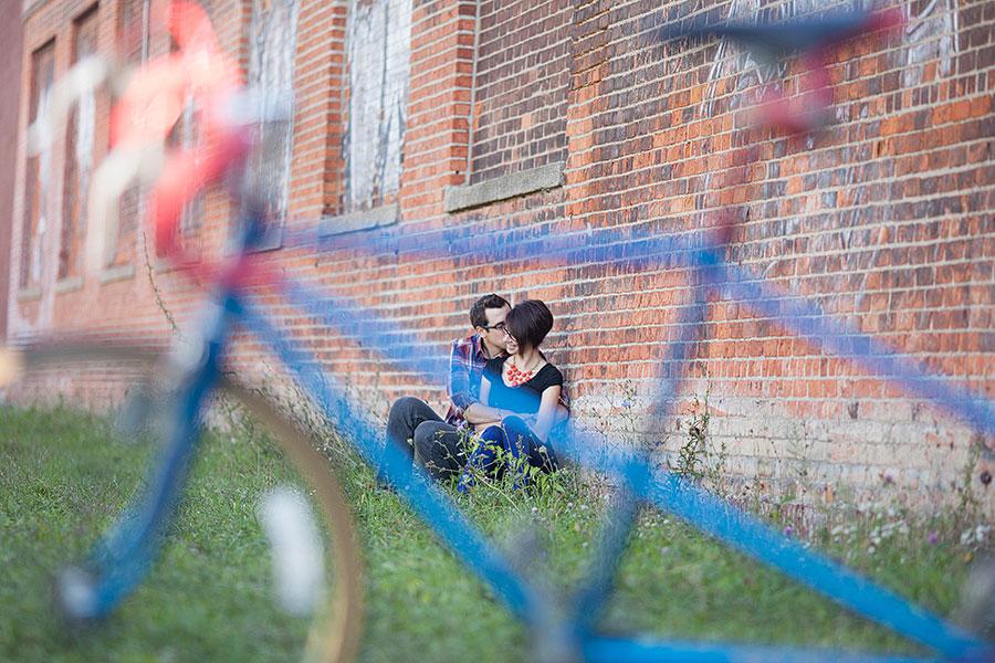 detroit-mercantile-detroit-eastern-market-engagement-photos-bicycle-eryn-shea-photography-04