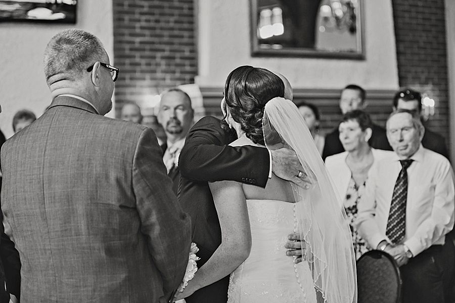 windsor-wedding-photographer-ontario-wedding-sprucewood-winery-wedding-hiram-walker-wedding_0019