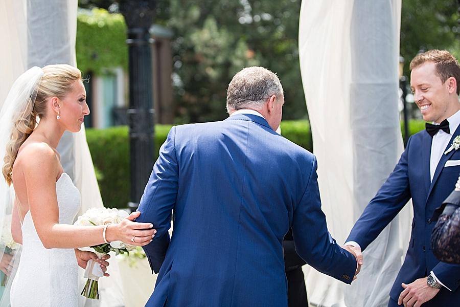 windsor-wedding-photographer-ontario-wedding-sprucewood-winery-wedding-hiram-walker-wedding_0024