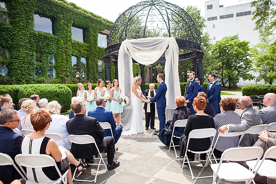 windsor-wedding-photographer-ontario-wedding-sprucewood-winery-wedding-hiram-walker-wedding_0025