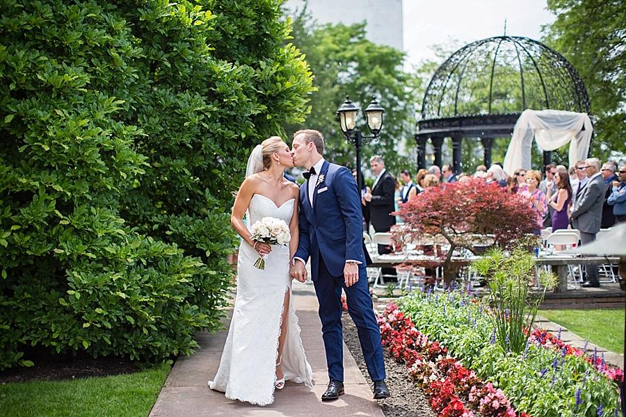 windsor-wedding-photographer-ontario-wedding-sprucewood-winery-wedding-hiram-walker-wedding_0031