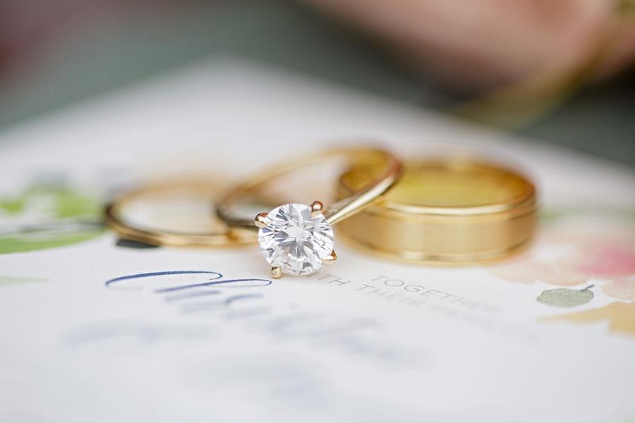 ottawa-wedding-botanical-cumberland-village-outdoor-wedding-flower-crown-ottawa-wedding-photographer-eryn-shea-photography_0002