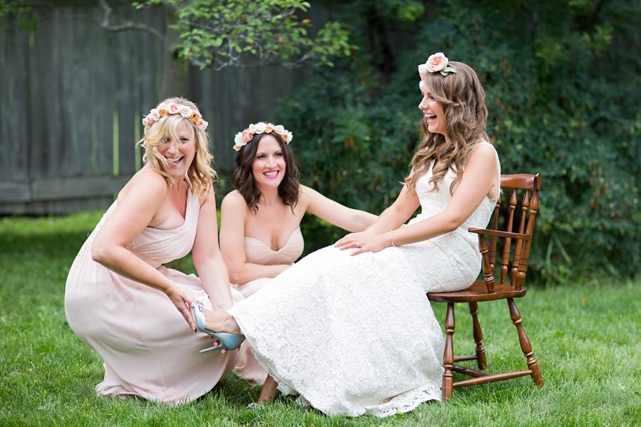 ottawa-wedding-botanical-cumberland-village-outdoor-wedding-flower-crown-ottawa-wedding-photographer-eryn-shea-photography_0022