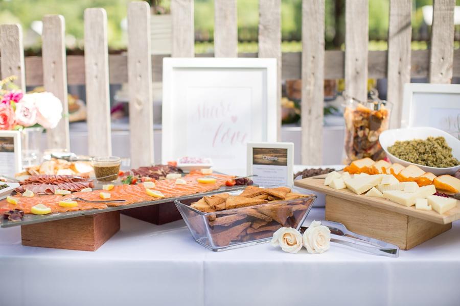 ottawa-wedding-botanical-cumberland-village-outdoor-wedding-flower-crown-ottawa-wedding-photographer-eryn-shea-photography_0065