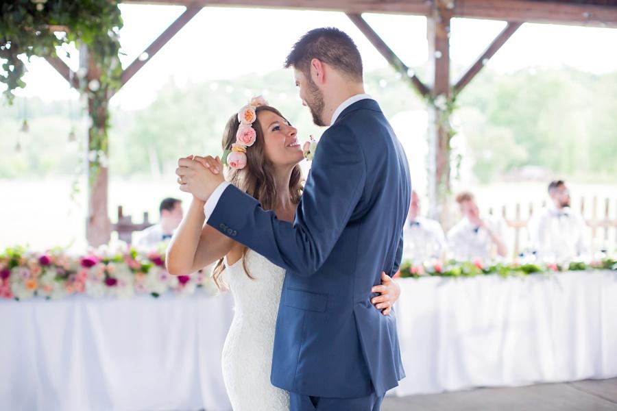 ottawa-wedding-botanical-cumberland-village-outdoor-wedding-flower-crown-ottawa-wedding-photographer-eryn-shea-photography_0080