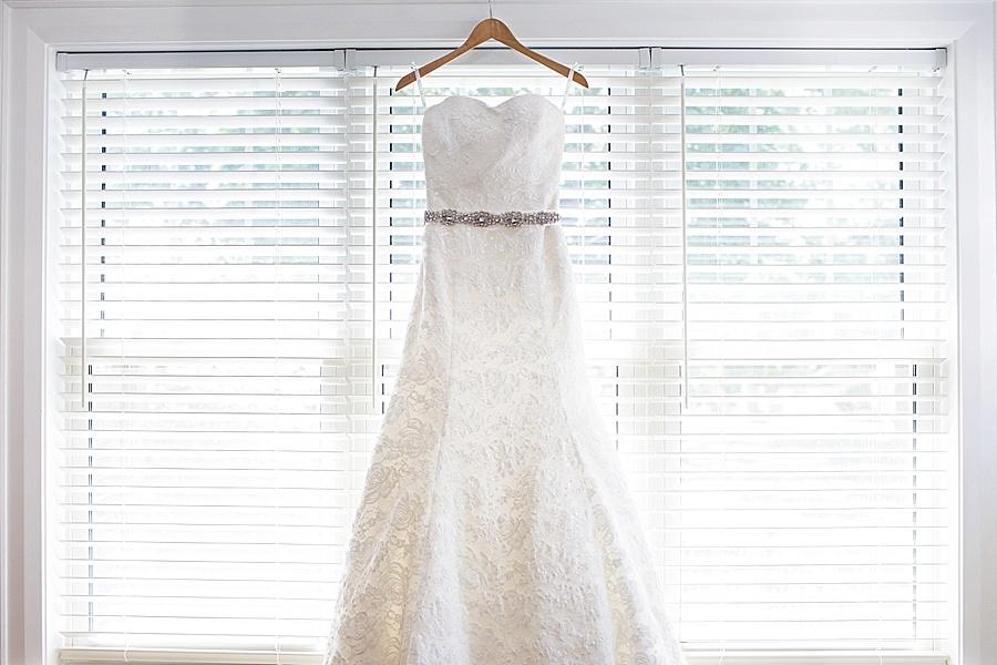 barn-wedding-diy-wedding-ontario-windsor-wedding-photographer-tremblay-farms-iron-kettle-bb_0005