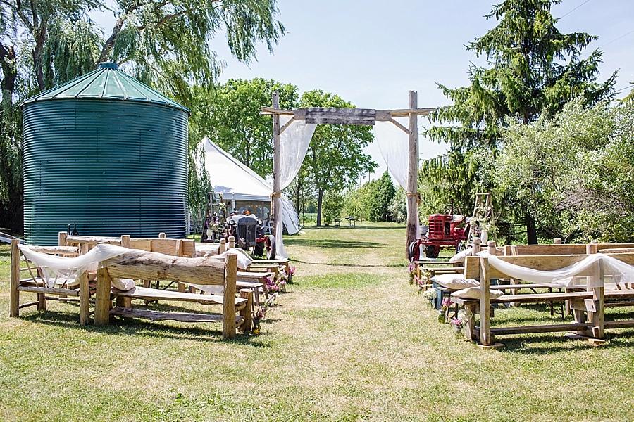 barn-wedding-diy-wedding-ontario-windsor-wedding-photographer-tremblay-farms-iron-kettle-bb_0023
