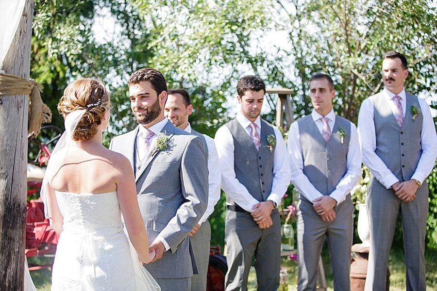 barn-wedding-diy-wedding-ontario-windsor-wedding-photographer-tremblay-farms-iron-kettle-bb_0028