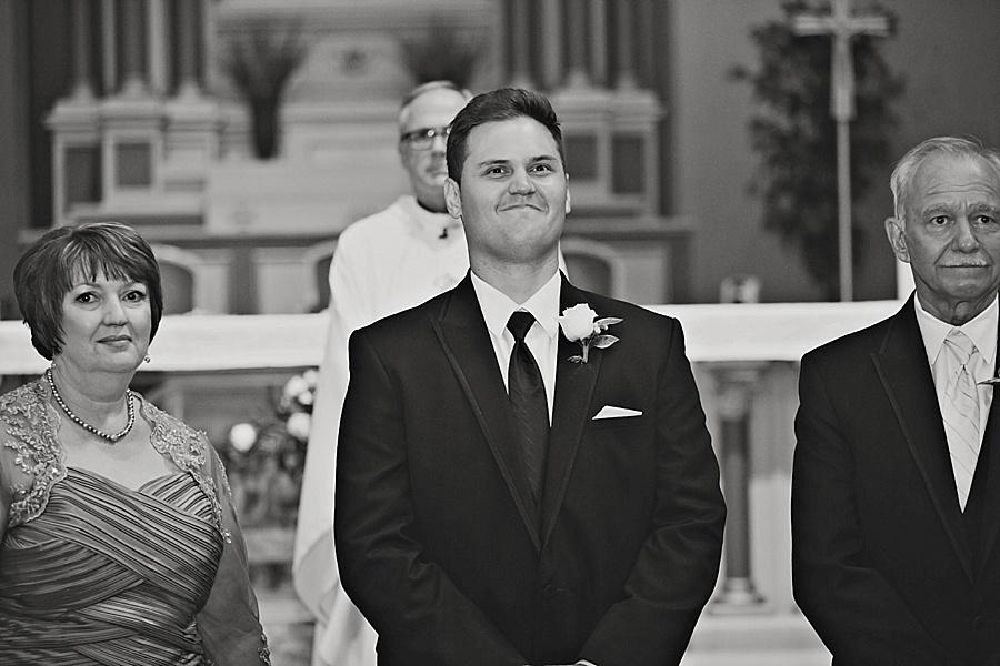 windsor-wedding-photographer-sacred-heart-parish-eryn-shea-photography_0027