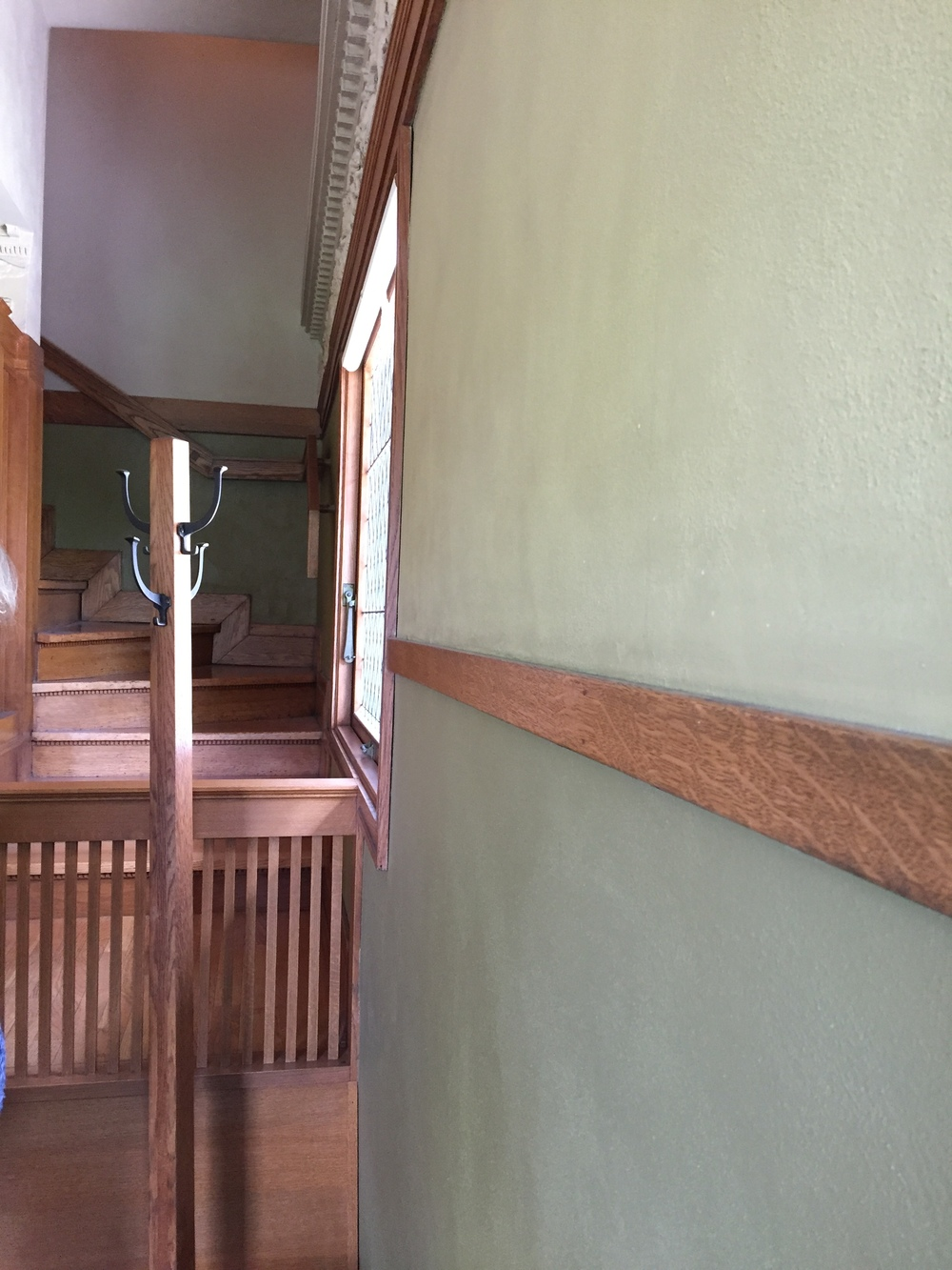 FLW entryway to stairs