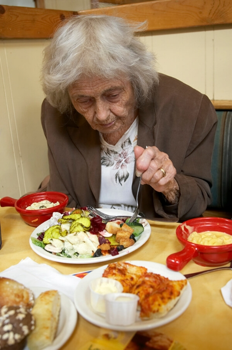 elderly_eating_keep_everything_within_reach